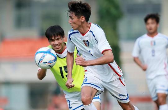 Các cầu thủ Đài Loan tập luyện rất nghiêm túc