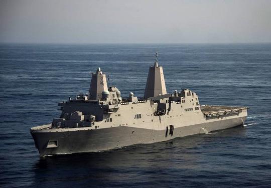 Tàu chiến Mỹ cập Cảng quốc tế Cam Ranh - Ảnh 1.