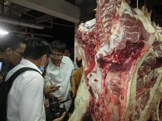 Siết thịt heo sạch: Thương lái gây áp lực với chợ đầu mối - Ảnh 2.
