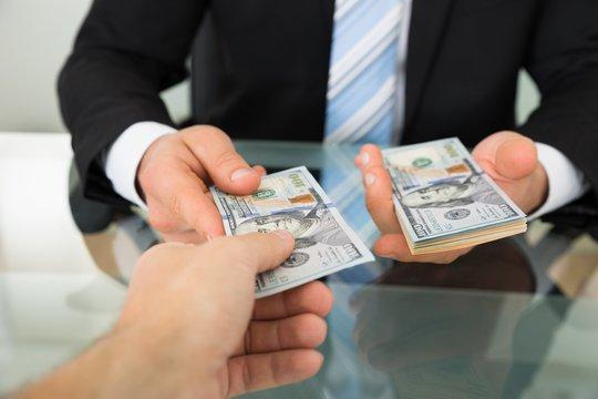 Doanh nghiệp nhỏ và vừa đi vay vốn ngân hàng khổ như thế nào? - Ảnh 1.
