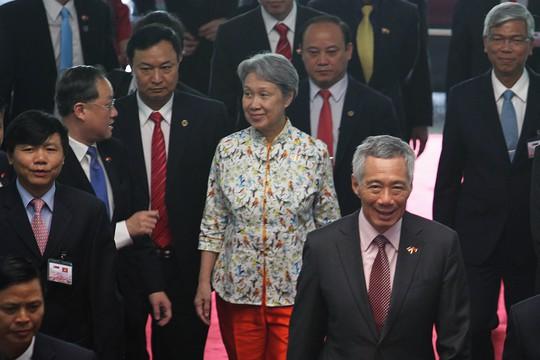 Trước đó, bà Hà Tinh và Thủ tướng Lý Hiển Long đến Hội trường Thống Nhất trưa nay