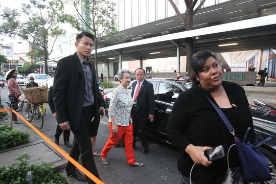 Phu nhân Thủ tướng Lý Hiển Long, bà Hà Tinh xuất hiện giản dị ở Trung Tâm thương mại Sài Gòn Square