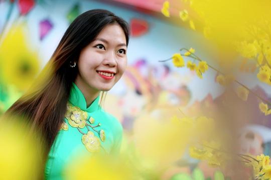 Phố ông đồ Sài Gòn cũng là nơi lý tưởng để các bạn trẻ đến chụp ảnh vào dịp Tết đến.