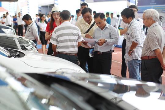 Đợt này, các mẫu xe dung tích nhỏ như Chevrolet Aveo, Mitsubishi Mirage, Hyundai Grand i10,… với giá tầm 500 triệu thu hút sự quan tâm của rất nhiều người.