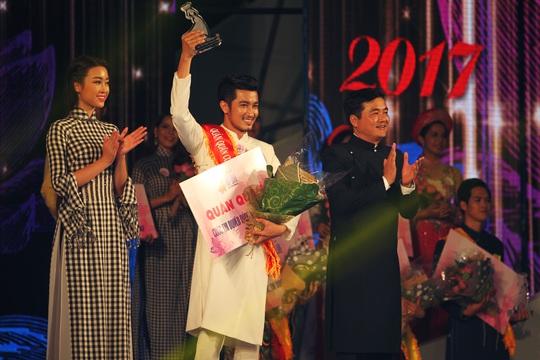 Trao giải quán quân bảng A3 của Duyên dáng áo dài 2017 cho Mai Thanh Duy