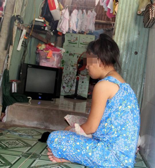 Bắt giam cụ ông hại bé gái ở đậu nhà chùa đến sinh con - Ảnh 2.