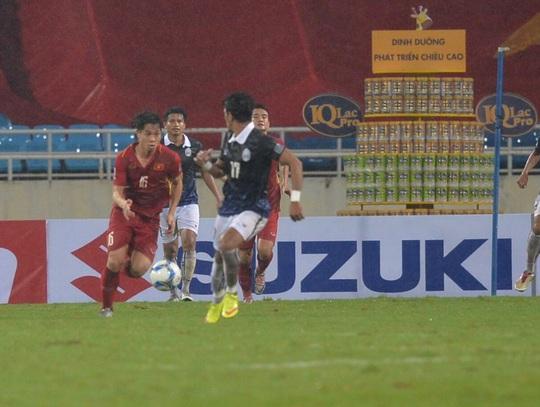 Thắng 5 sao Campuchia, Việt Nam đặt 1 chân vào VCK Asian Cup - Ảnh 14.