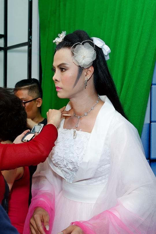 Võ Minh Lâm trong vai Tiểu Long Nữ