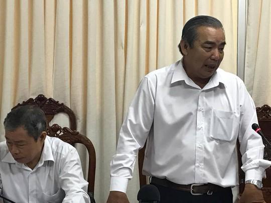 Ông Võ Thanh Hùng báo cáo nhanh tại buổi họp sáng nay