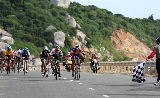Morales nhất chặng 11 Giải xe đạp VTV - Ảnh 1.
