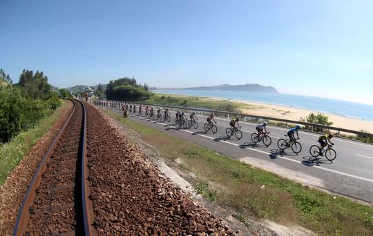 Lê Văn Duẩn được giải oan ở Giải Xe đạp VTV - Ảnh 1.