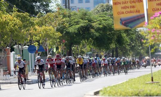 Giải Xe đạp quốc tế VTV: Anh em Duẩn - Minh về nhất - Ảnh 3.