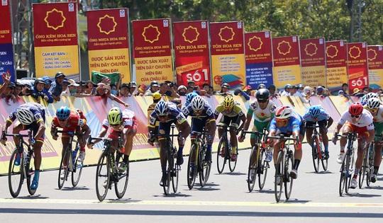 Giải Xe đạp quốc tế VTV: Anh em Duẩn - Minh về nhất - Ảnh 4.