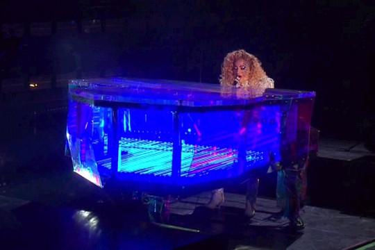 Trái khoáy trên sân khấu Lễ trao giải âm nhạc Mỹ - Ảnh 5.