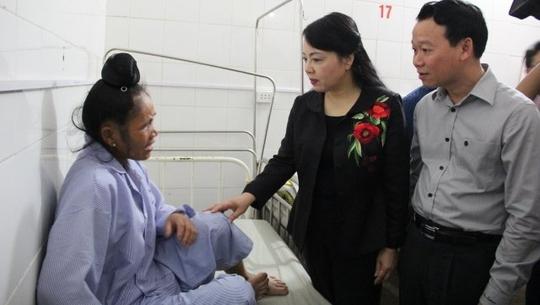 Bộ trưởng Nguyễn Thị Kim Tiến lên án các vụ tấn công thầy thuốc - Ảnh 1.