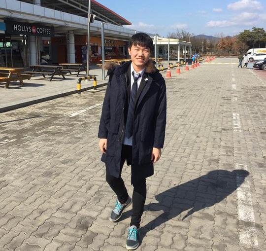 Xuân Trường háo hức đi thi bằng lái xe ở Hàn Quốc