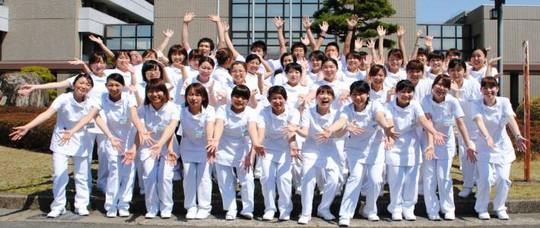 Siết quản lý hoạt động đưa lao động Việt Nam đi làm việc ở nước ngoài - Ảnh 1.