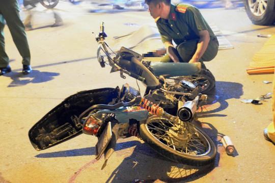 Hai thanh niên tử nạn trên Quốc lộ 50 - Ảnh 1.