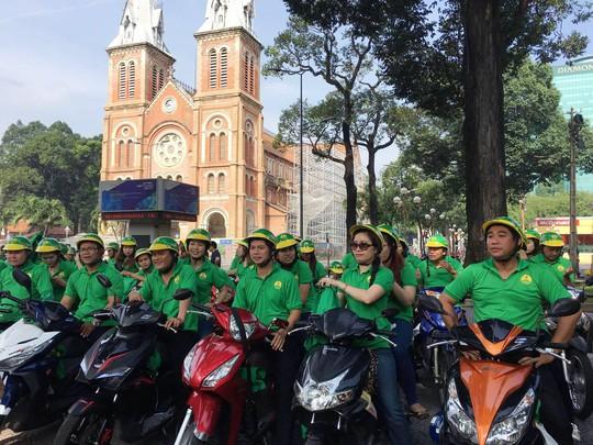 """Ngày 20-11, Mai Linh tung ra """"xe ôm công nghệ"""" - Ảnh 1."""