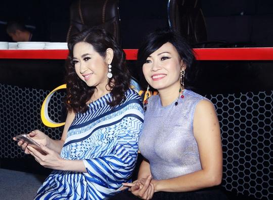 Ca sĩ Ý Lan và ca sĩ Phương Thanh