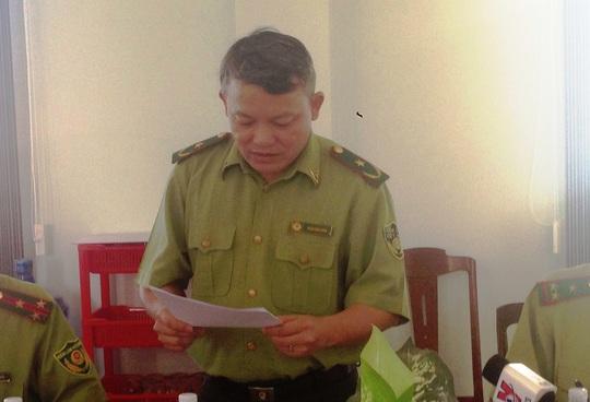 Phó cục trưởng Cục Kiểm lâm đang công bố quyết định thanh tra