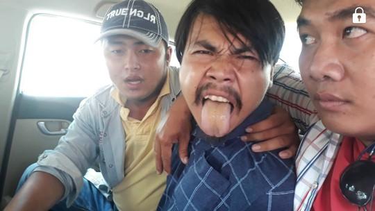 Hiệp sĩ được thưởng nóng nhờ bắt Việt kiều trộm ô tô - Ảnh 2.