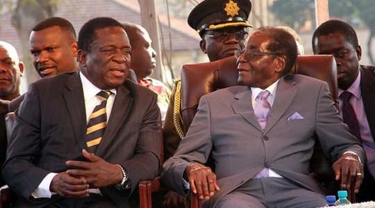 Cựu Phó Tổng thống Zimbabwe Emmerson Mnangagwa (trái) và Tổng thống Mugabe. Ảnh: Nehanda Radio
