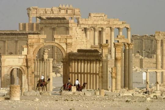 Tổng thống Assad trổ tài dụ du khách nước ngoài tới Syria - Ảnh 1.