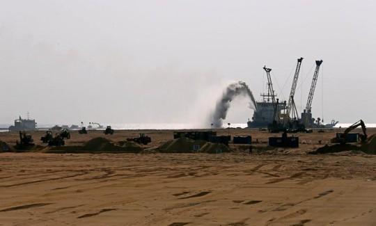 Trung Quốc đầu tư 1 tỉ USD vào Sri Lanka - Ảnh 1.