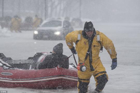 Nước Mỹ trong mờ mịt mưa tuyết - Ảnh 5.