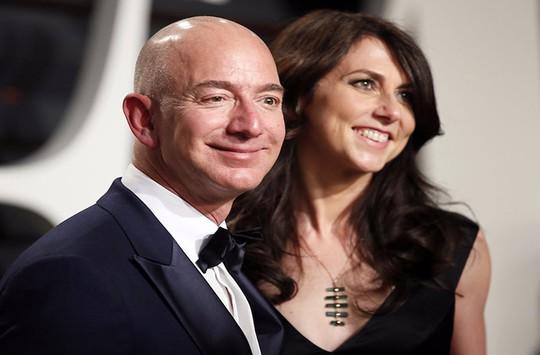 Bí quyết hạnh phúc của cặp vợ chồng giàu nhất thế giới - Ảnh 1.