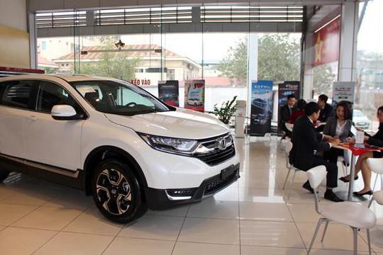 Toyota và Honda tạm ngừng xuất khẩu ô tô sang Việt Nam - Ảnh 1.