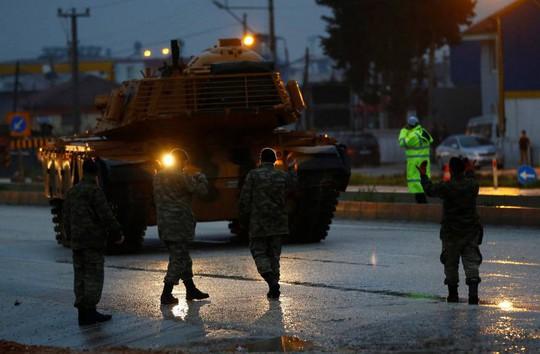Thổ Nhĩ Kỳ dội pháo người Kurd ở Syria - Ảnh 1.