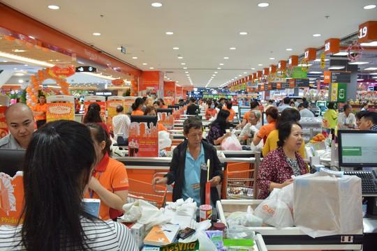 Mở cửa đại siêu thị bán Tết - Ảnh 1.