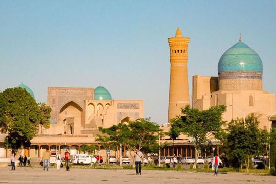 Đất nước đối thủ Uzbekistan đẹp và tráng lệ đến khó tin - Ảnh 1.