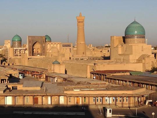 Đất nước đối thủ Uzbekistan đẹp và tráng lệ đến khó tin - Ảnh 3.