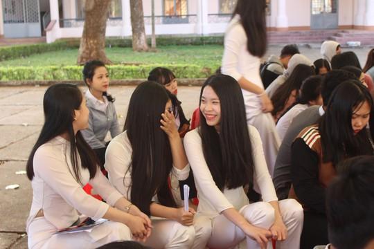 Đưa trường học đến thí sinh 2018 tại Đắk Lắk: Mê sư phạm nhưng sợ thất nghiệp - Ảnh 14.