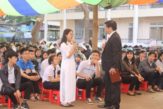 Đưa trường học đến thí sinh 2018 tại Đắk Lắk: Mê sư phạm nhưng sợ thất nghiệp - Ảnh 10.