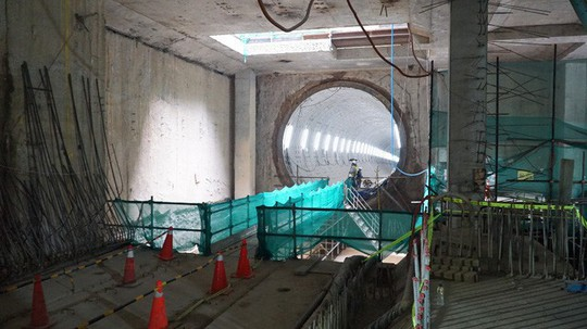 Cận cảnh bên trong đường hầm tuyến Metro đầu tiên của TPHCM - Ảnh 2.