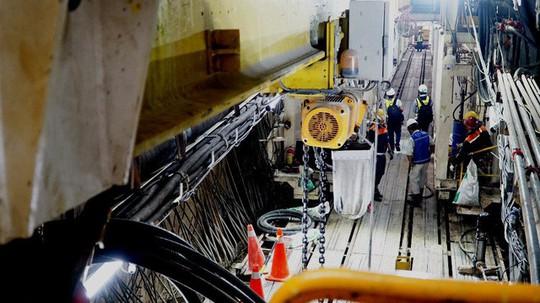 Cận cảnh bên trong đường hầm tuyến Metro đầu tiên của TPHCM - Ảnh 5.