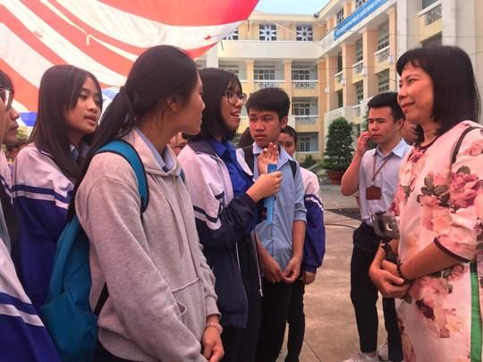 Đưa trường học đến thí sinh 2018 tại Gia Lai: Ngành CNTT dễ bị đào thải? - Ảnh 24.