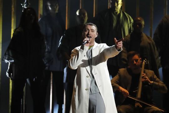 Grammy 2018: Bruno Mars gom hết giải quan trọng! - Ảnh 4.