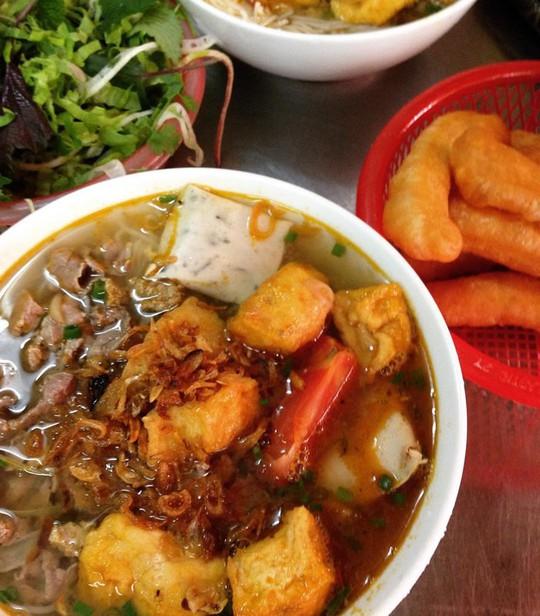 5 món ăn đường phố được khách nước ngoài săn lùng nhiều nhất ở Hà Nội - Ảnh 20.