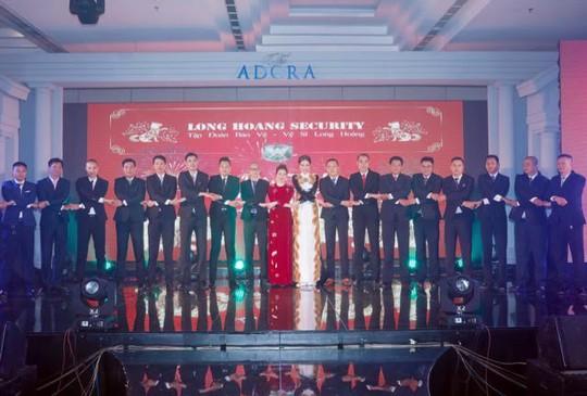 Hoa hậu Bùi Thị Hà chi 2 tỷ đồng cho tiệc tất niên công ty - Ảnh 4.