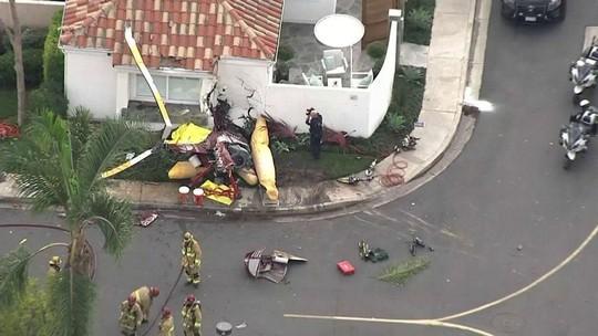Trực thăng đâm vào nhà dân, 3 người chết - Ảnh 2.