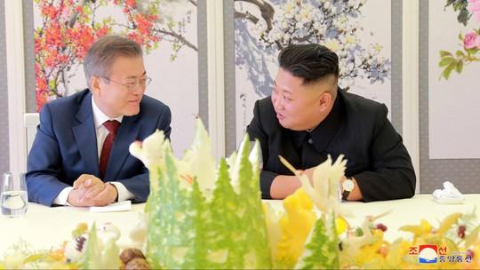 Ông Kim Jong-un tặng chó săn cho tổng thống Hàn Quốc - Ảnh 2.