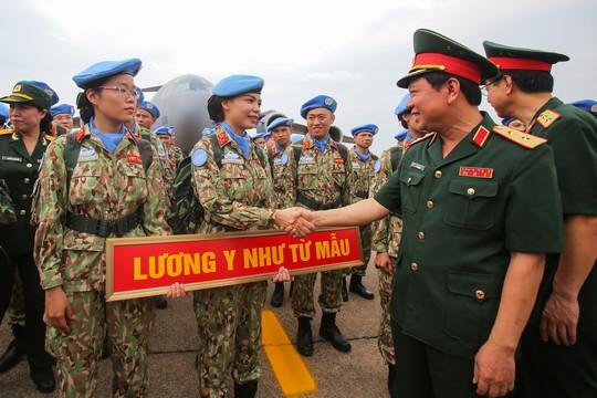 Những bóng hồng quân y Việt Nam sang châu Phi gìn giữ hòa bình - Ảnh 11.