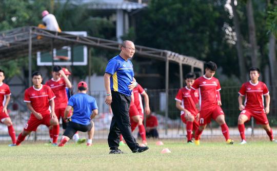 HLV Park Hang-seo công bố 39 cầu thủ chuẩn bị AFF Cup 2018 - Ảnh 1.