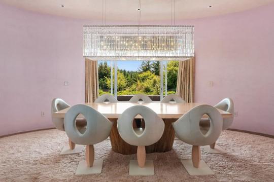 Cận cảnh ngôi nhà đẹp hoàn hảo giá 250 tỷ đồng - Ảnh 2.