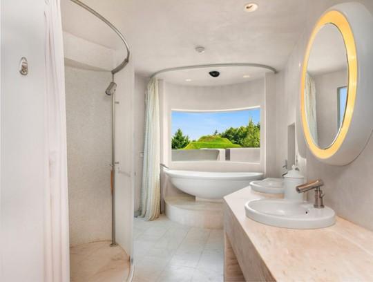 Cận cảnh ngôi nhà đẹp hoàn hảo giá 250 tỷ đồng - Ảnh 5.